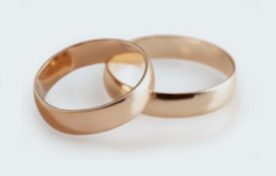 Wedding rings at Spicer Manor